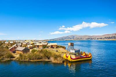Floßinsel bei einer Bolivien Reise